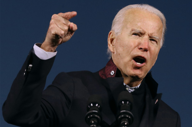 Democratic presidential candidate Joe Biden's polling edge over President Trump dropped this week following The Post's scandalous publication about his son Hunter - SurgeZirc France