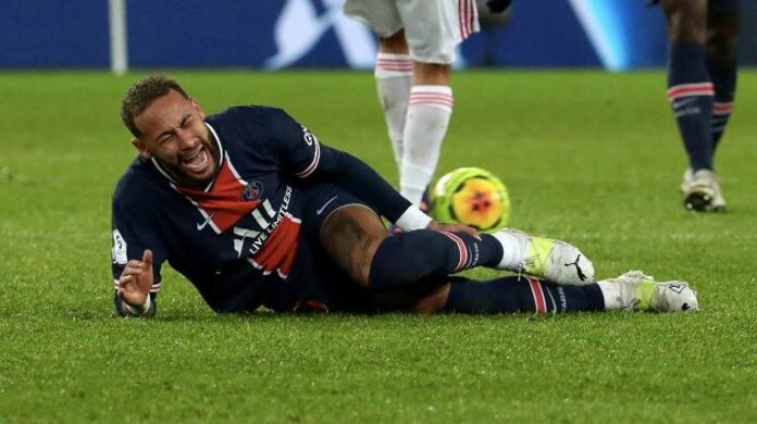PSG Waits On Neymar Injury After He Stretchered Off In Defeat By Lyon - SurgeZirc France