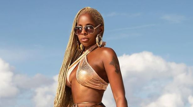 Mary J. Blige Celebrates 50th Birthday In A Gold Bikini Before Bash - Ravzgadget