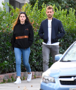 'Bachelor' Star Nick Viall Seen Strolling With Rumoured Lover Natalie Joy - SurgeZirc France