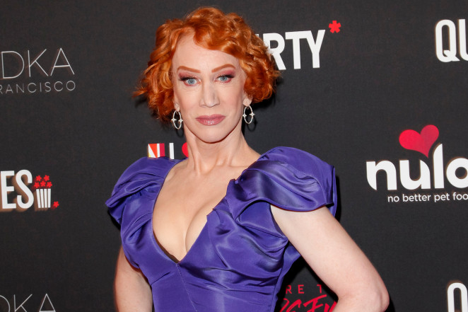 Kathy Griffin Diagnosed With Lung Cancer Despite Never Smoking - SurgeZirc FR