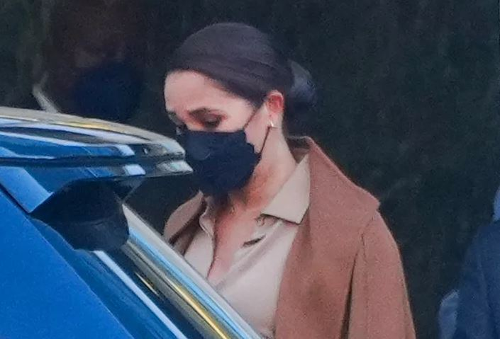 Meghan Markle Just Made This Black Scalloped Face Mask Popular - SurgeZirc US